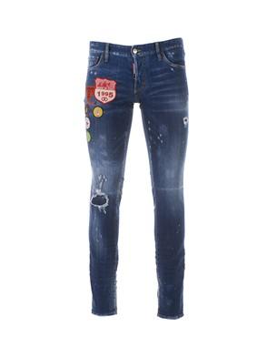 D.SQUARED - Jeans in denim\neffetto consumato\ndecorato con patch logo e spilla