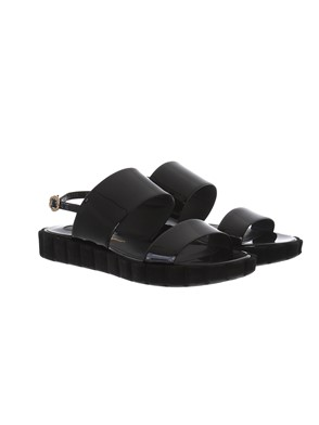 SALVATORE FERRAGAMO - PATENT BLACK SANDALS