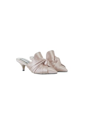 N21 - LIGHT PINK KNOT SLIPPERS