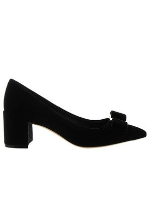 SALVATORE FERRAGAMO - BLACK ALICE PUMPS