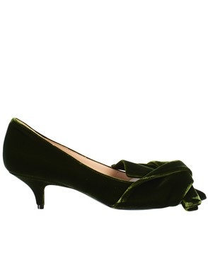 N21 - GREEN PUMPS
