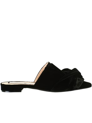 N21 - BLACK SLIPPERS
