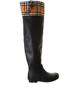 BURBERRY - BLACK FREDDIE BOOTS