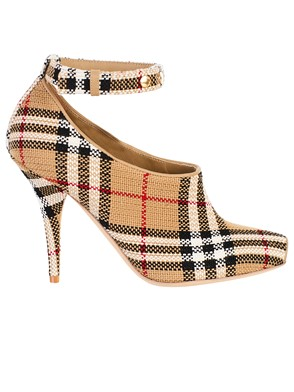 BURBERRY - BEIGE CHECK PUMPS