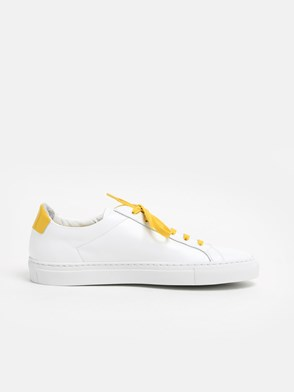 COMMON PROJECTS - WHITE AND YELLOW ACHILLIES SNEAKERS