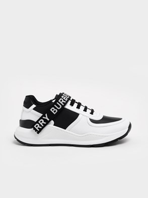 BURBERRY - BLACK AND WHITE SNEAKERS